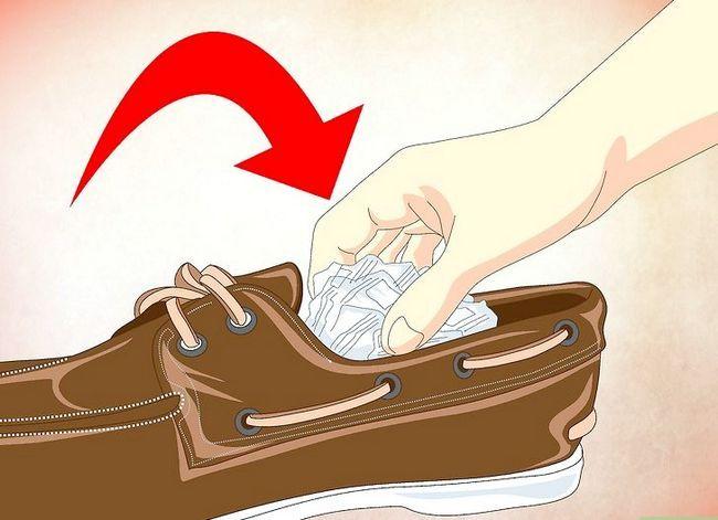 Beeld getiteld Deodorize Shoes Stap 2