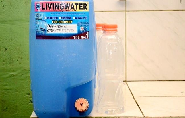 Prent getiteld Winkel Water vir Home Survival Stap 2
