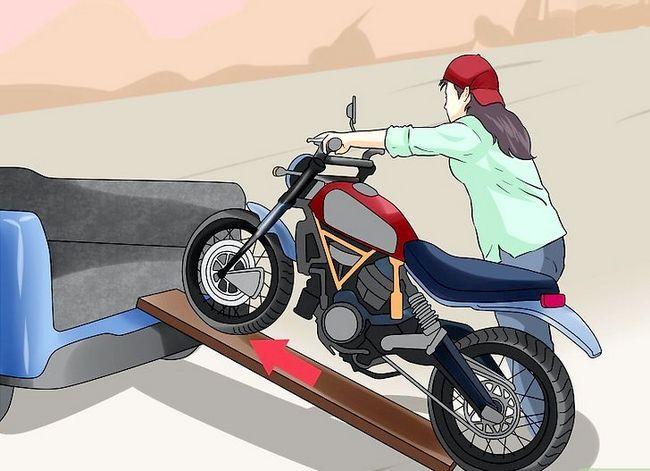 Prent getiteld Tie Down a Motorcycle Step 2