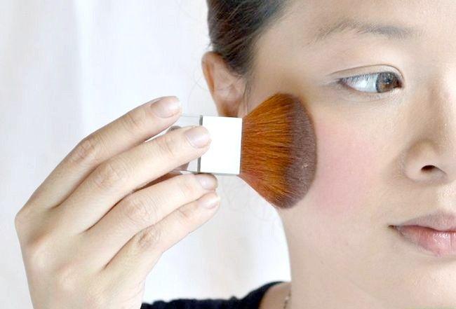 Prent getiteld Doen die perfekte make-up vir regverdige vel Stap 3