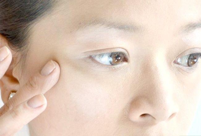 Prent getiteld Doen die perfekte make-up vir Fair Skin Stap 7