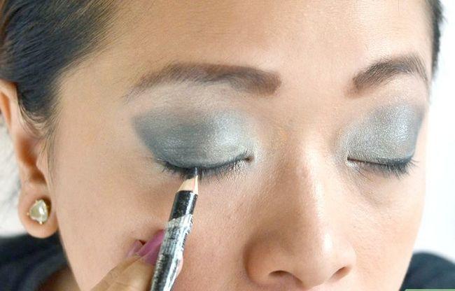Prent getiteld Doen make-up vir `n nag uit stap 6