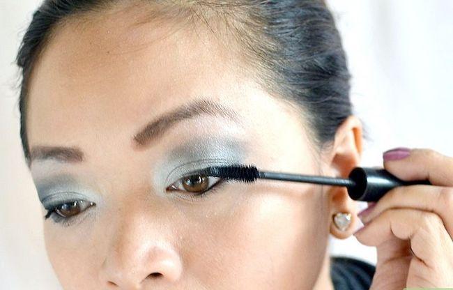 Prent getiteld Doen make-up vir `n nag uit stap 7