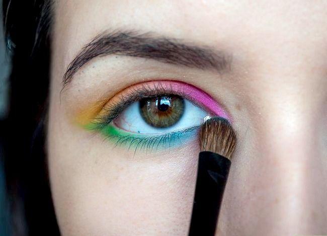 Prent getiteld Doen Rainbow Eyeshadow Stap 6