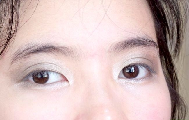 Prent getiteld Doen Basiese Disney Princess Make-up Stap 12