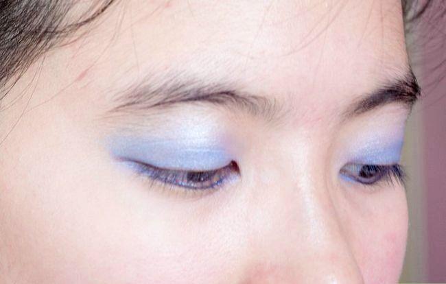 Prent getiteld Doen Basiese Disney Prinses Make-up Stap 18