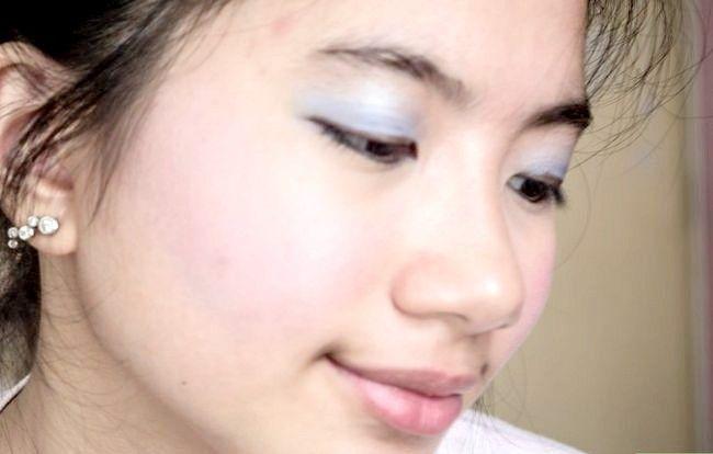Prent getiteld Doen Basiese Disney Prinses Make-up Stap 20