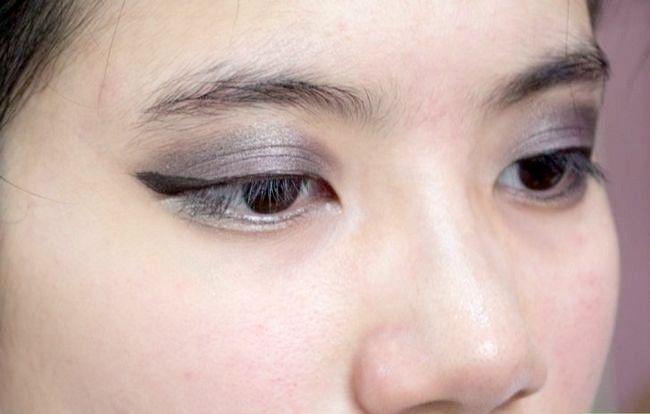 Prent getiteld Doen Basiese Disney Prinses Make-up Stap 23