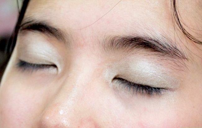 Prent getiteld Doen basiese Disney Princess Make-up Stap 4