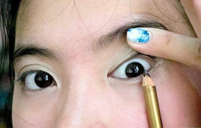 Prent getiteld Doen Basiese Disney Prinses Make-up Stap 5