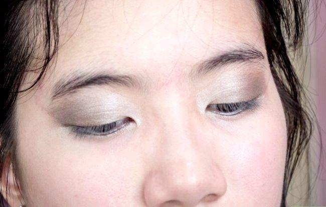 Prent getiteld Doen Basiese Disney Princess Make-up Stap 9