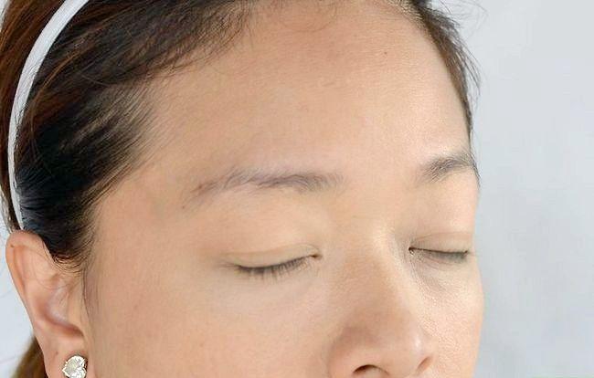 Prent getiteld Doen aand Makeup Step 2