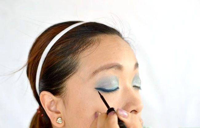 Prent getiteld Doen aand Make-up Stap 6