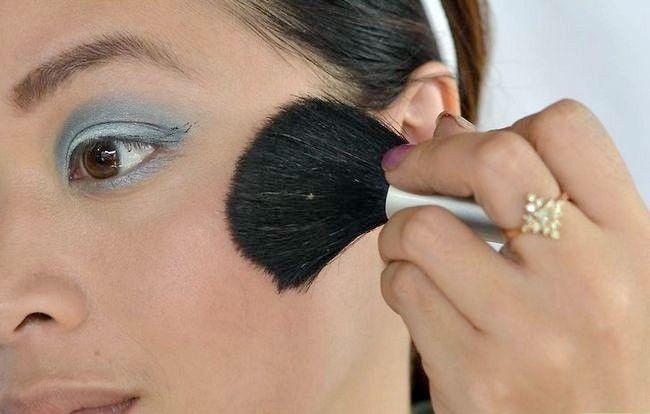 Prent getiteld Doen aand Make-up Stap 8