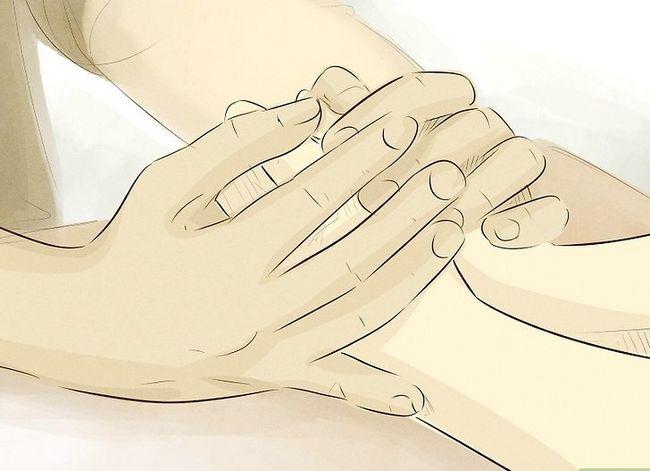 Prent getiteld Help jou dogter kry oor `n slegte opbreek stap 7