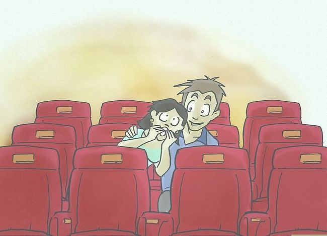 Prent getiteld Kiss Your Girlfriend by the Cinema Stap 7