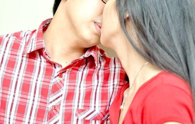 Prent getiteld Kiss a Stranger Stap 5