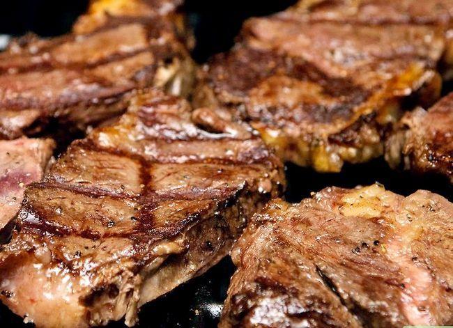 Prent getiteld Sear Steaks op die Grill Stap 7