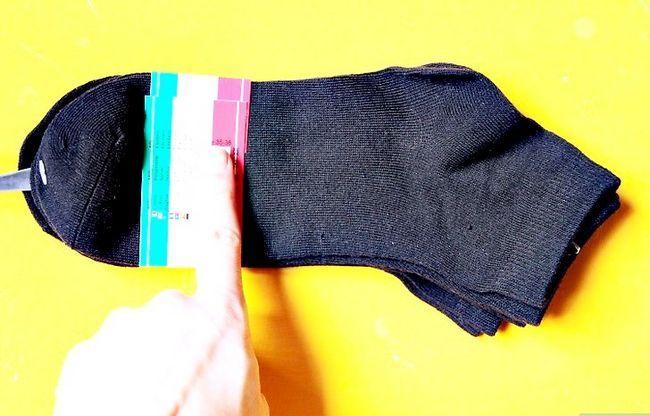 Beeld getiteld koop sokkies wat goed is vir jou voete Stap 2