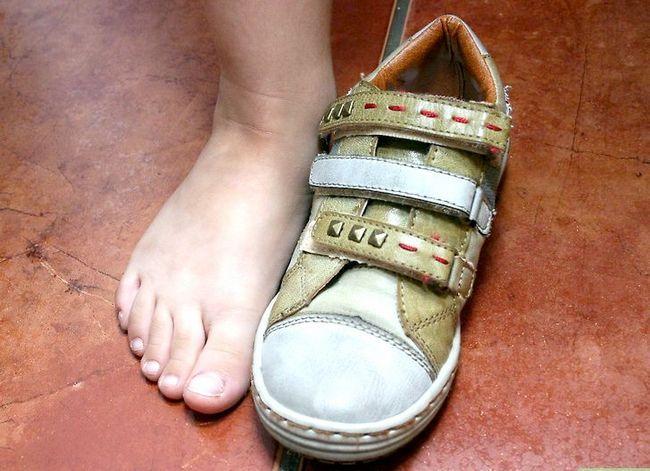 Beeld getiteld Koop skoene vir kinders Stap 3