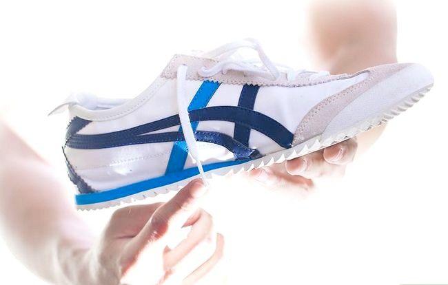 Beeld getiteld Koop `n goeie paar skoene Stap 2