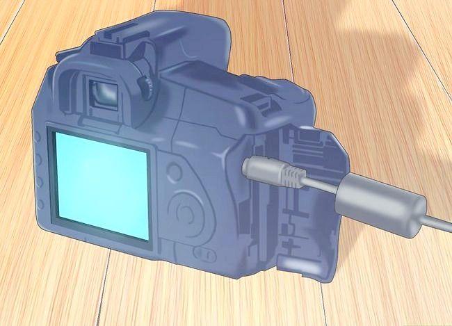 Beeld getiteld Sluit `n kamera aan op `n rekenaar Stap 3