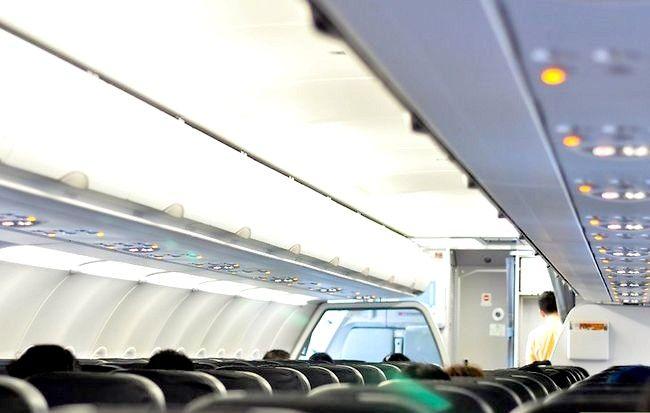 Hoe om `n goeie sitplek op `n vliegtuig te kry