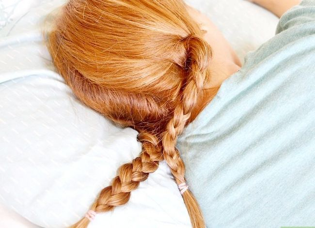 Prent getiteld Get Tousled, Sexy Bed Hair Stap 3