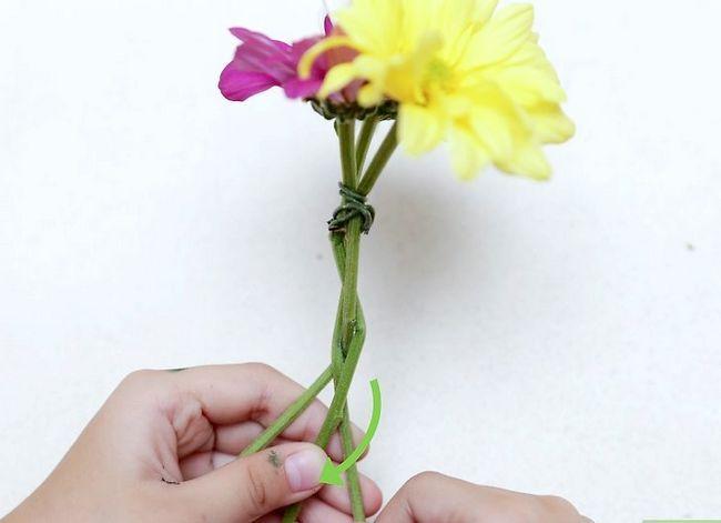 Prent getiteld Maak `n blom kroon Stap 16