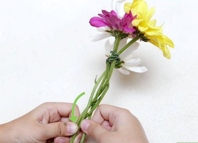 Prent getiteld Maak `n blom kroon Stap 18
