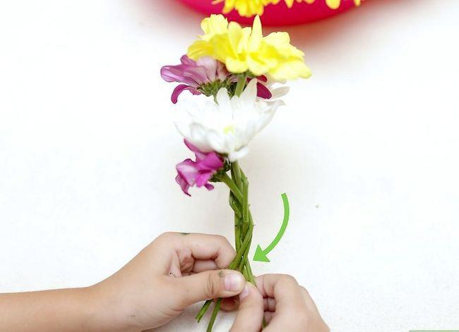 Prent getiteld Maak `n blom kroon Stap 20
