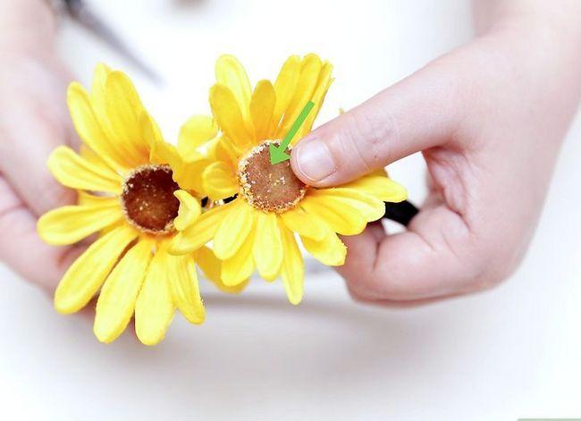 Prent getiteld Maak `n blom kroon Stap 32