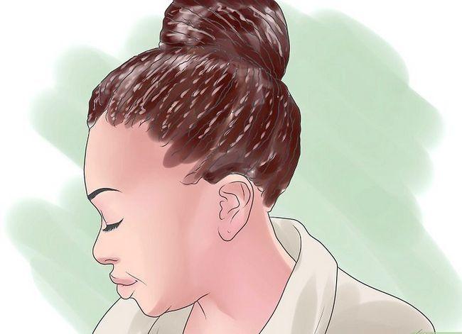 Prent getiteld Sorg vir Chemies en Hitte beskadig African American Hair Stap 4