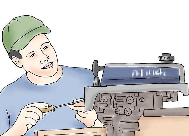 Hoe om `n buiteboordmotor te handhaaf