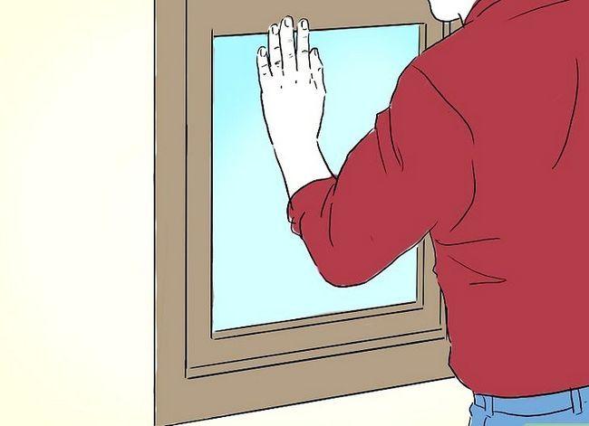 Prent getiteld Geskryf word van `n eekhoring in jou huis Stap 9