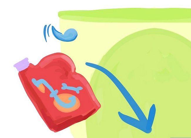 Prent getiteld `n toilet van `n gespoelde toiletpapier rol los Stap 8