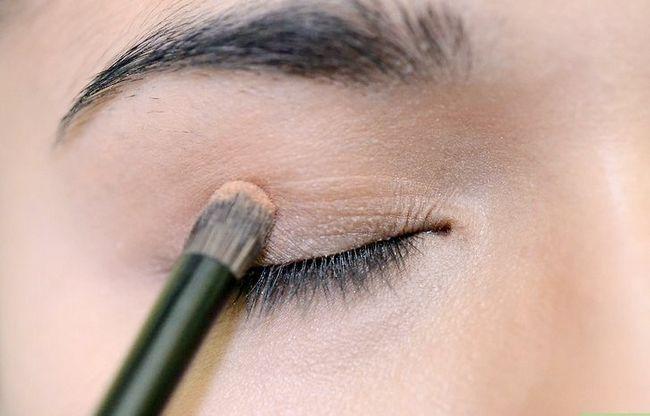 Prent getiteld Dien toe vir make-up vir tienermeisies Stap 7