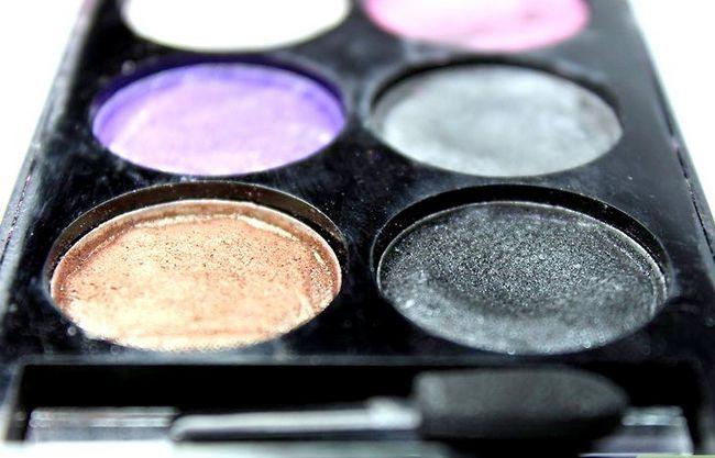 Prent getiteld Kies die regte make-up stap 4