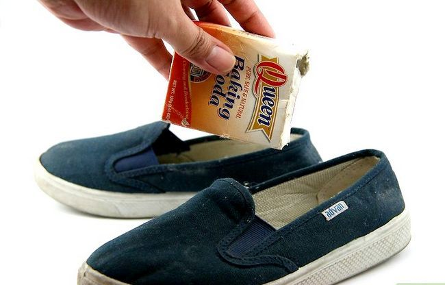 Prent getiteld Verwyder reuk van jou skoene met baksoda Stap 1