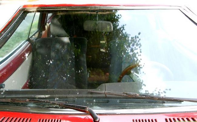 Beeld getiteld Hou Car Windows Fog Free Met `n Aartappel Stap 4