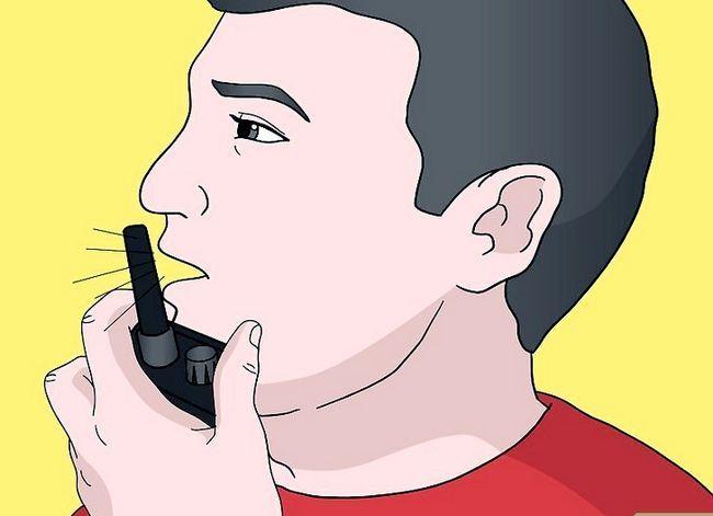 Prent getiteld Talk on a Radio (Walkie Talkie) Stap 5