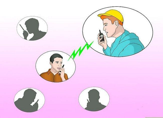 Prent getiteld Talk on a Radio (Walkie Talkie) Stap 7