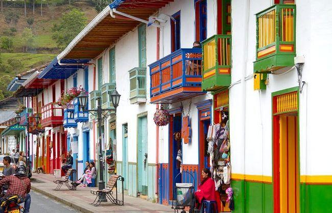 Prent getiteld Colombia Coffee Triangle 073 Salento