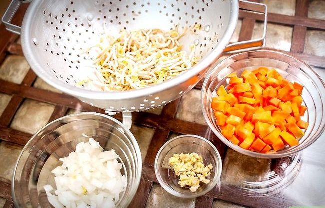 Prent getiteld Maak Fried Rice Stap 2