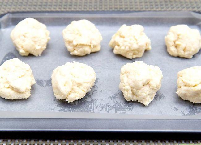 Prent getiteld Maak Rooi Kreef`s® Cheddar Biscuits Step 14