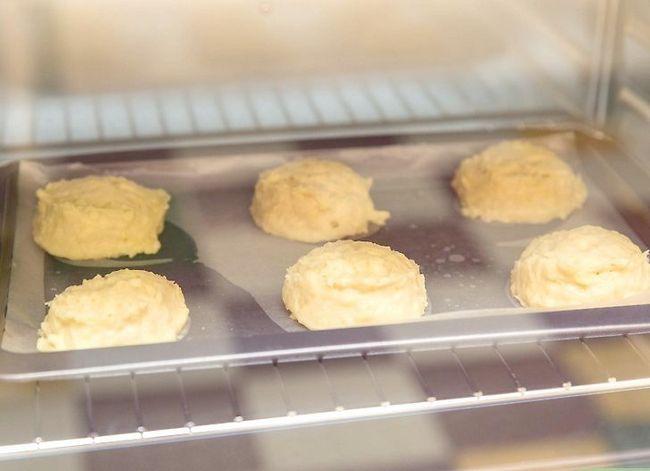 Prent getiteld Maak Rooi Kreef`s® Cheddar Biscuits Step 5