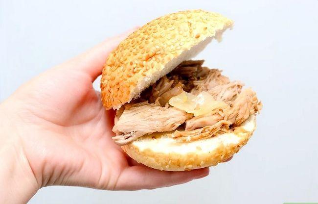Prent getiteld Pulled Pork in die Crockpot Stap 6