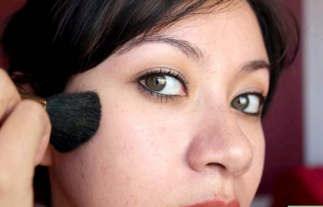 Prent getiteld Doen verskillende style van Miley Cyrus Make-up Stap 12