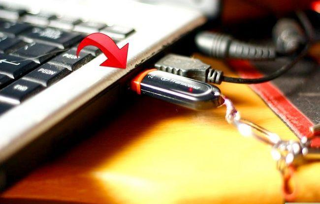 Beeld getiteld Rugsteun `n gids met `n Flash Memory Drive Stap 1