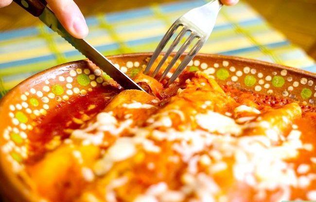 Prent getiteld Stacked Cheese Enchiladas Stap 15